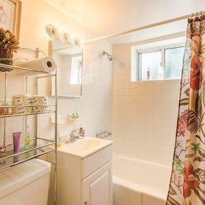 Atlantic Manor Apartments for Rent in Manasquan, NJ Bathroom